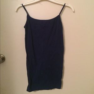 Simple stretchable tank top
